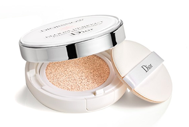 Dior Diorsnow Bloom Perfect Brightening Perfect Moist Cushion SPF50 PA+++ - No. 020